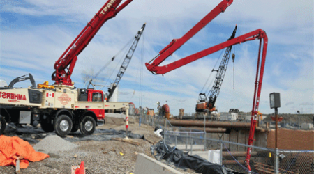 Concrete Pump atau Pompa Beton
